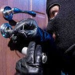 Inbrekers buiten houden tijdens de vakantie